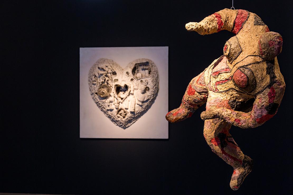 Niki de Saint Phalle : Cœur de vieille bigote, 1964 : Erica, 1965, Collection MAMAC, Nice, Donation de l'artiste en 2001