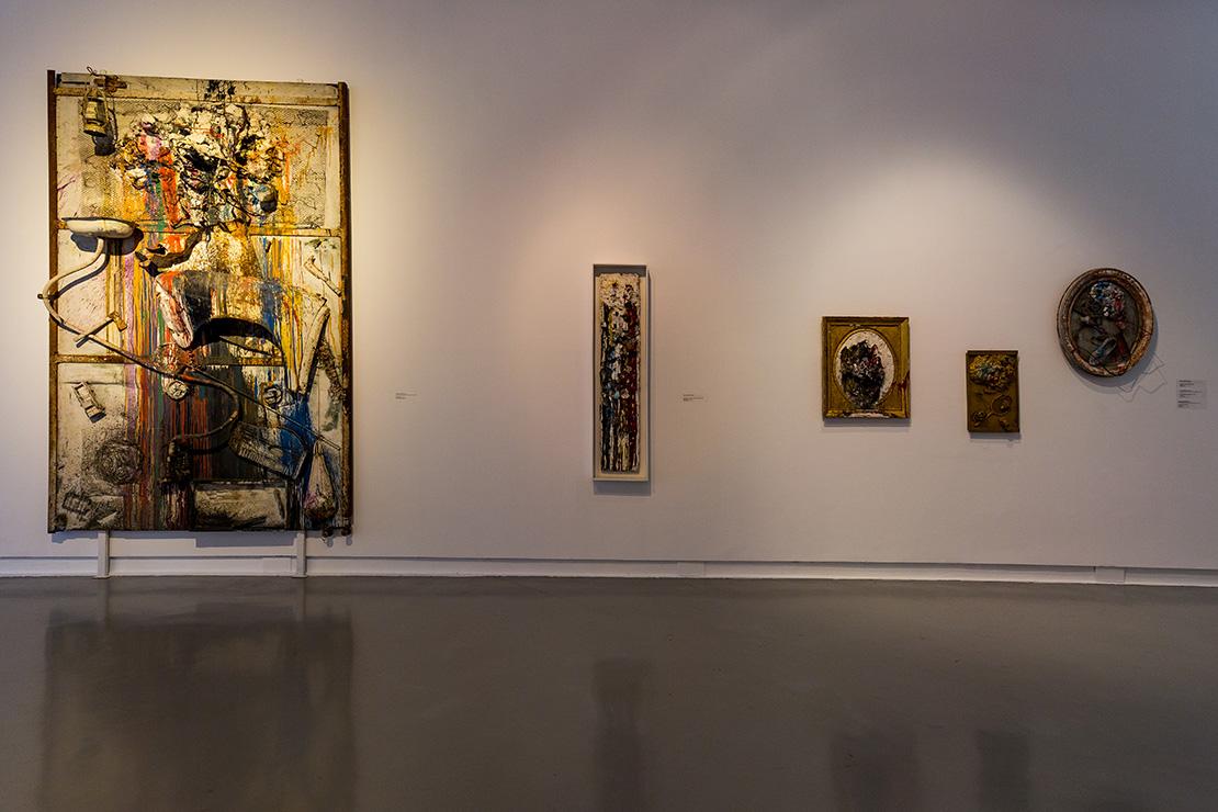 Niki de Saint Phalle  : Tir séance, 26 juin 1961 ; Long shot - second shooting session, 1961 ; Old master - Séance galerie J., 1961 ; Tir à la raquette - Séance galerie J., 1961 ; Tir au soulier, 1961