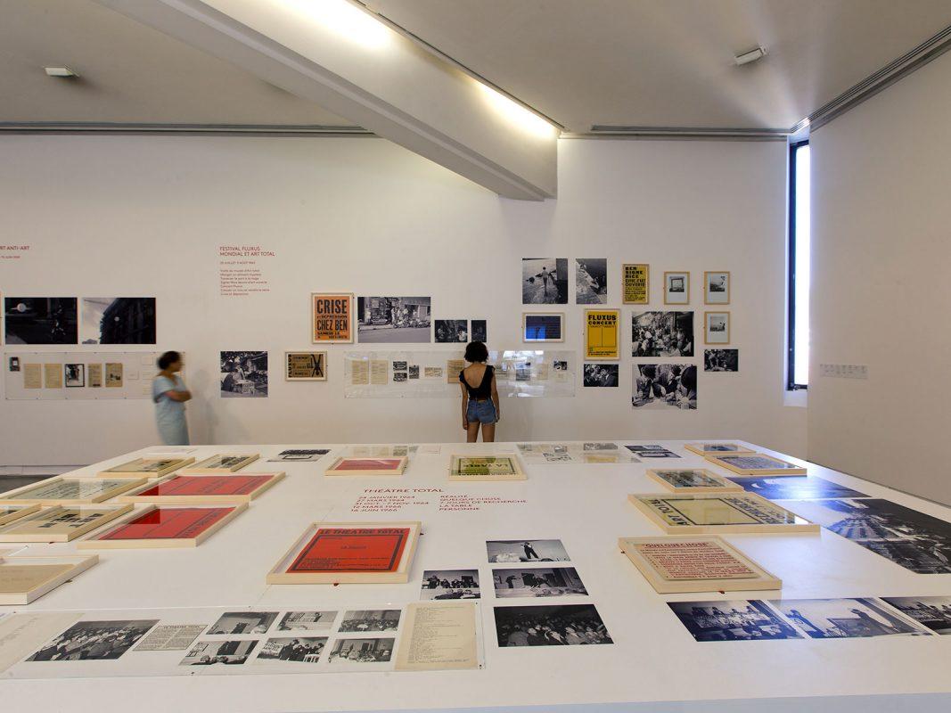 Vue de l'exposition « À propos de Nice : 1947-1977 »