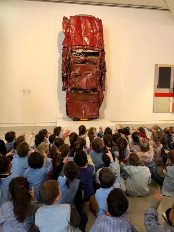 Projet « La classe, l'œuvre » avec la classe de GS maternelle de l'école Terra Amata. César, Dauphine, 1959-1970 © Adagp, Paris 2021